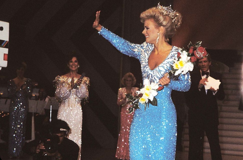 Carlson is awarded the crown during the 1989 Miss America competition in Atlantic City, New Jersey, on Sept. 16, 1988.