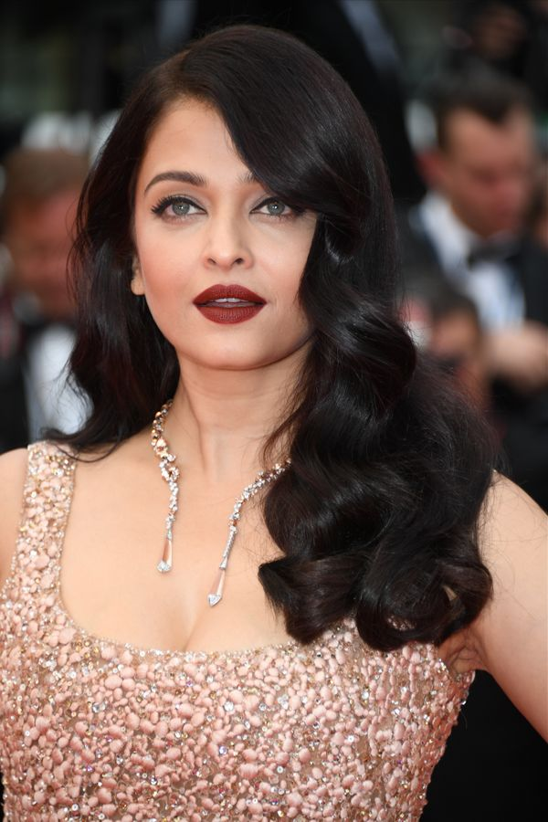 How is it that Bollywood star Aishwarya Rai looks exactly the same as she did when she won the Miss World title in 1994?