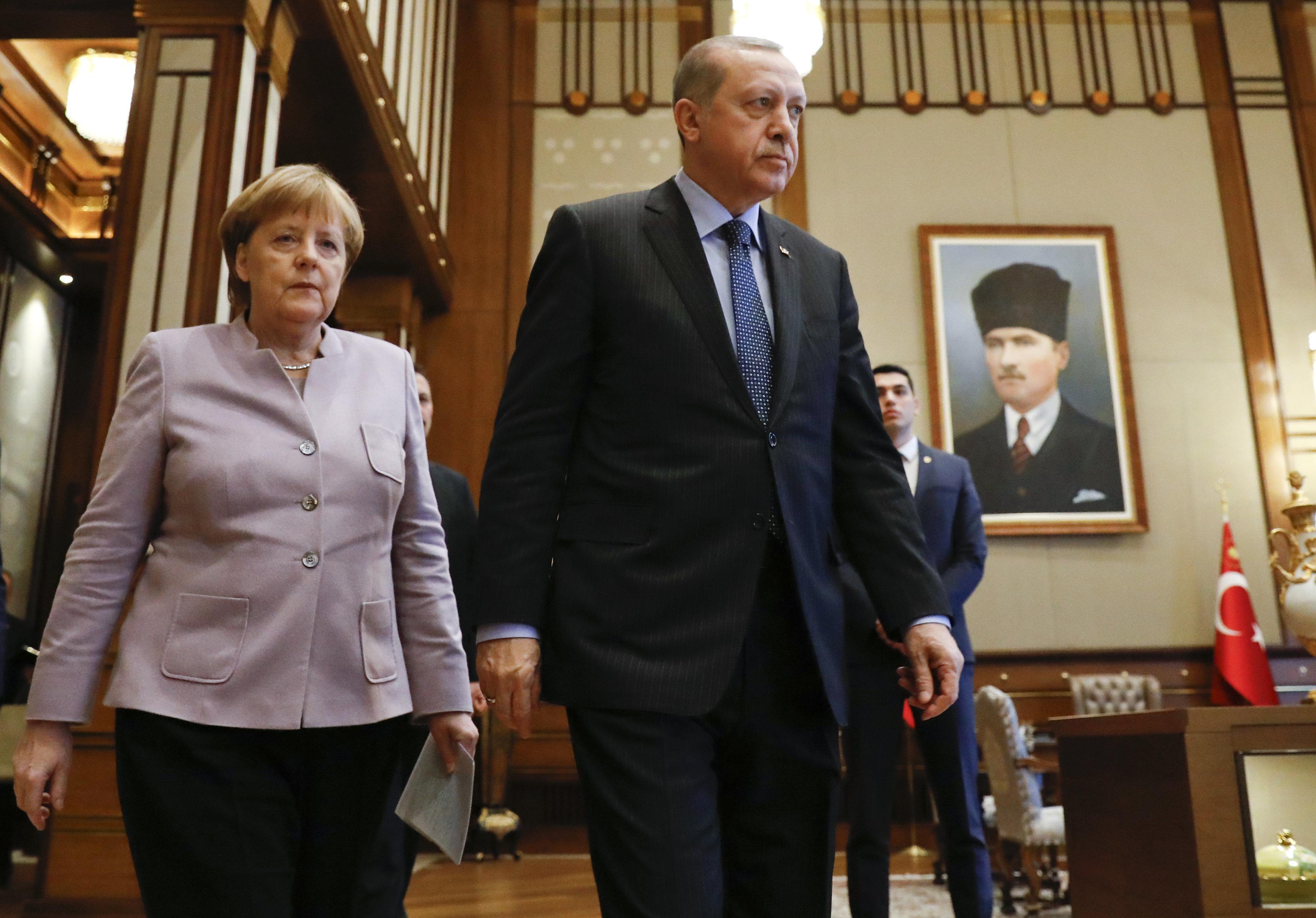 Finanz-Hilfe für Erdogan: Ein Wort zeigt, dass Merkel Option