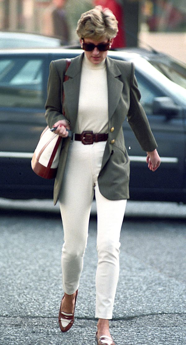 This Princess Di look, for a shopping trip in London in 1994, is another great look for the summer-to-fall transition period.