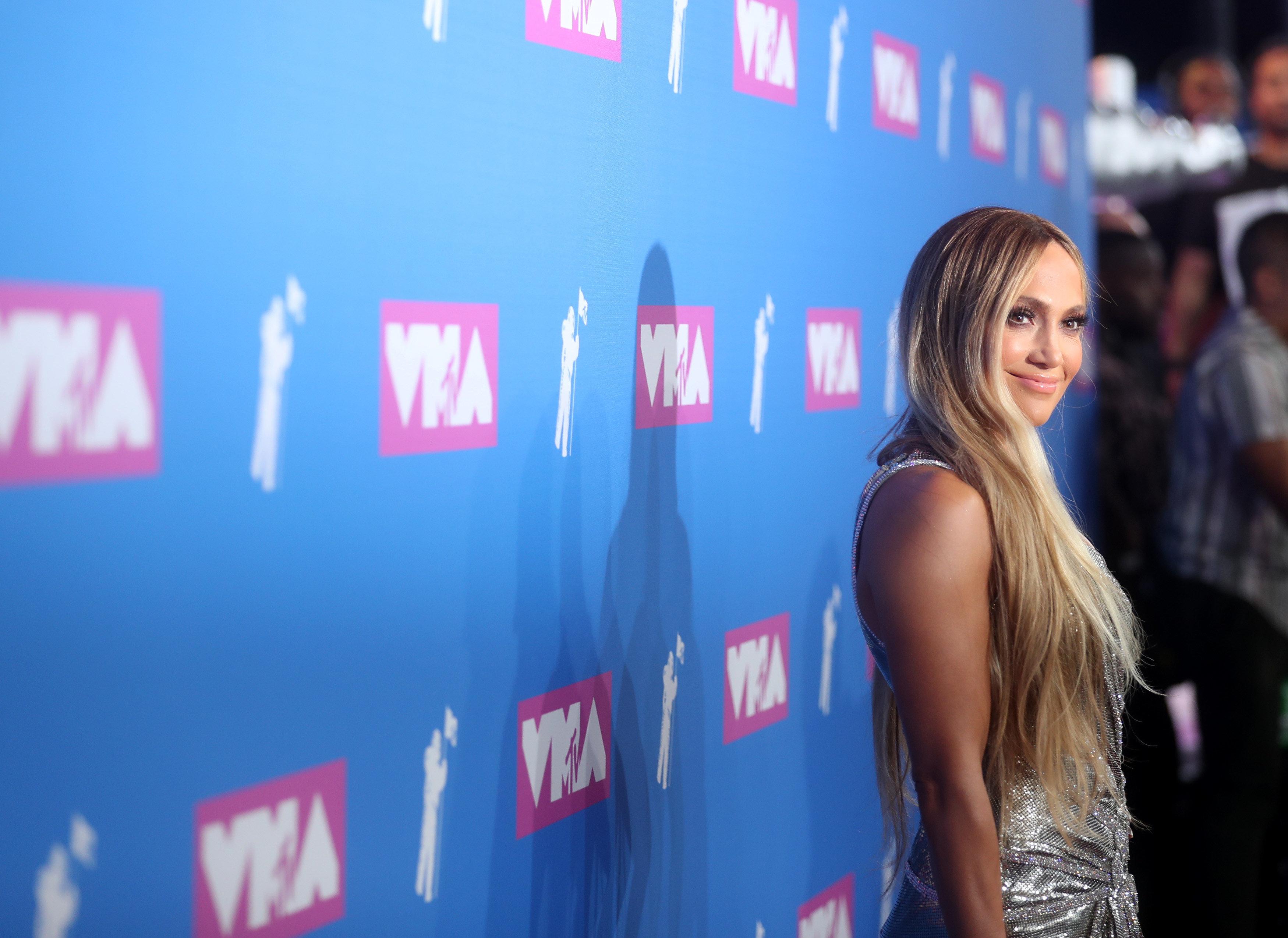 Η Τζένιφερ Λόπεζ κατέκτησε τη σκηνή των βραβείων MTV με το χορό της
