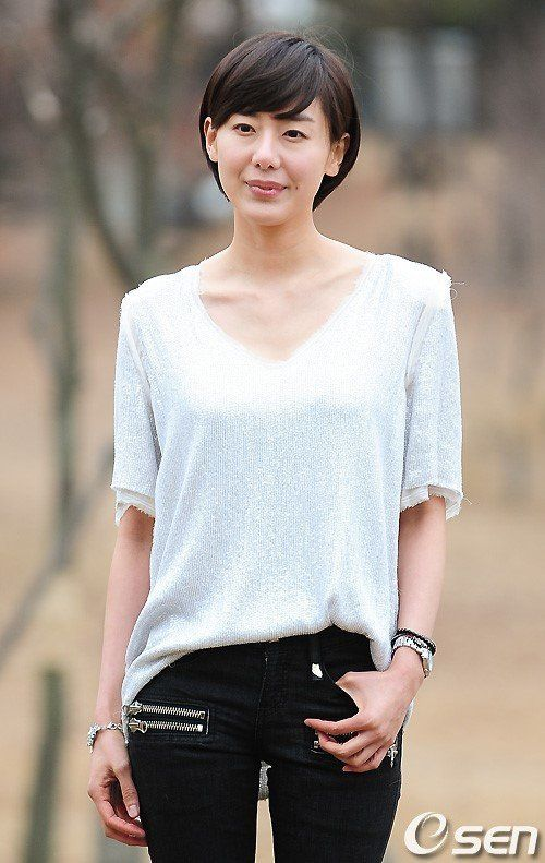 윤정희, 극비 결혼→출산·육아中..연예계 잠정
