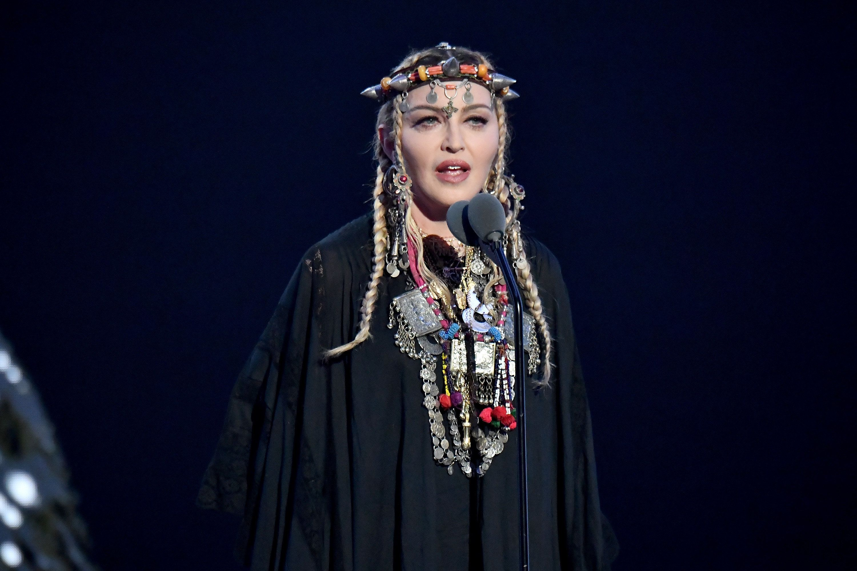 Madonna paid tribute to Aretha Franklin at the MTV