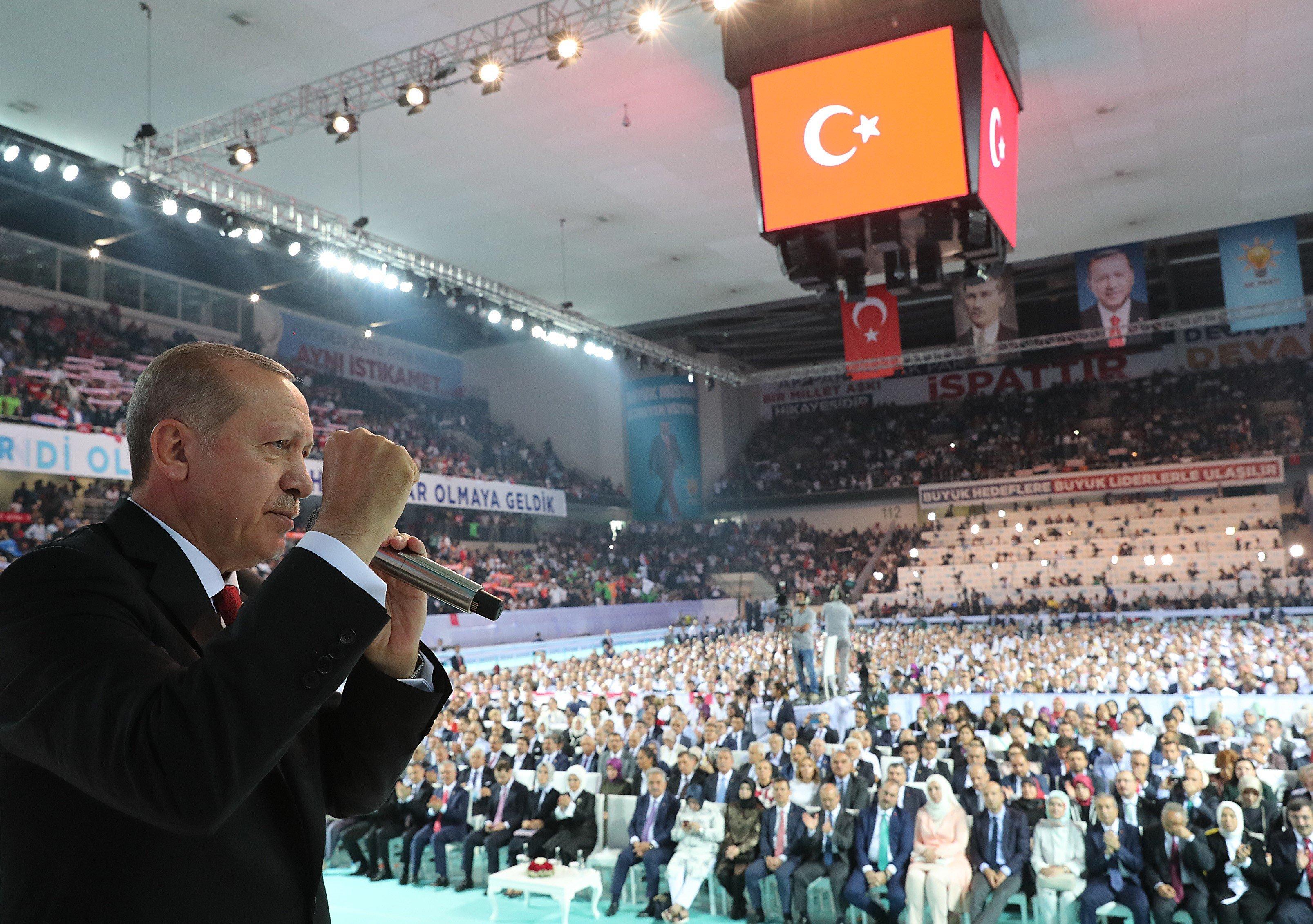 Der türkische Präsident Recep Tayyip Erdogan bei einem Parteitag der AKP am