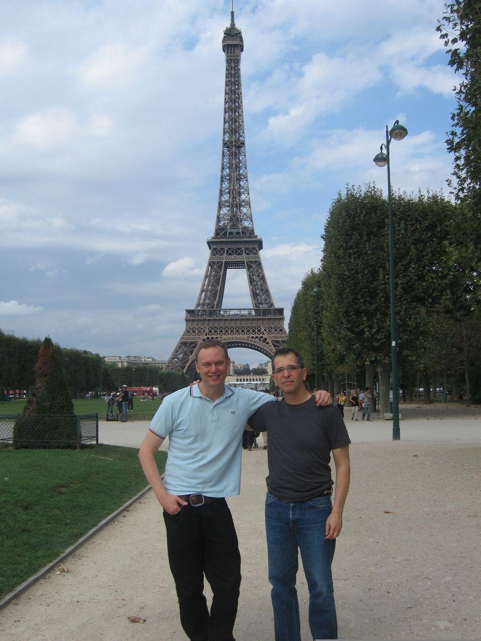 Wash Westmoreland (left) and Richard Glatzer in Paris.