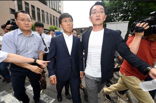 안희정 전 보좌진 2명이 '김지은 비난' 댓글 달다