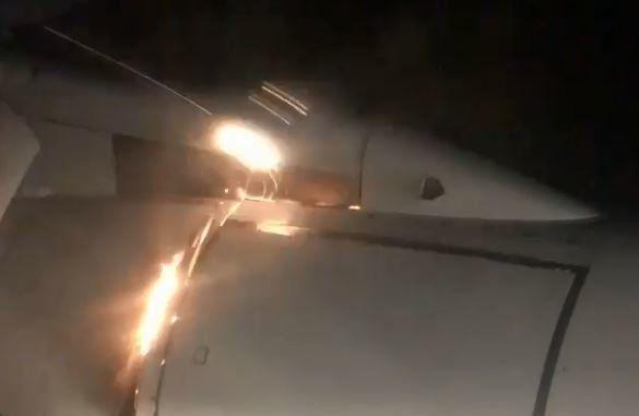 Εφιάλτης στον αέρα: Επιβάτης αεροπλάνου έβλεπε τη μηχανή να καίγεται εν