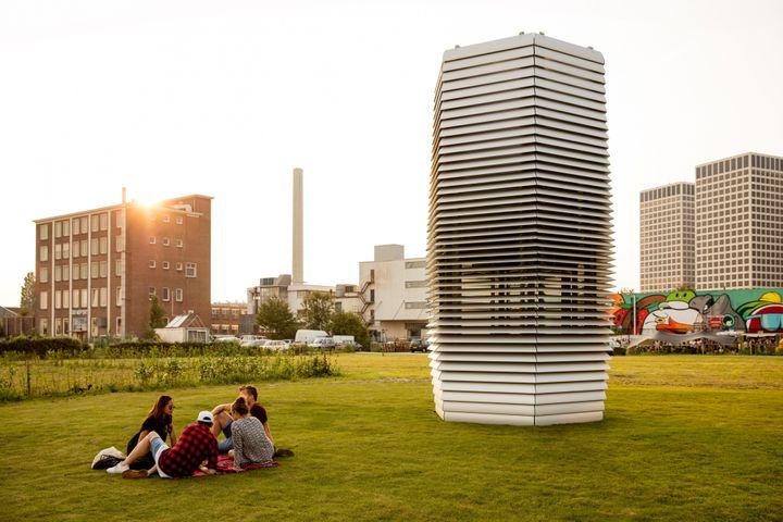 네덜란드 로테르담에 처음 설치한 스모그 프리 타워.