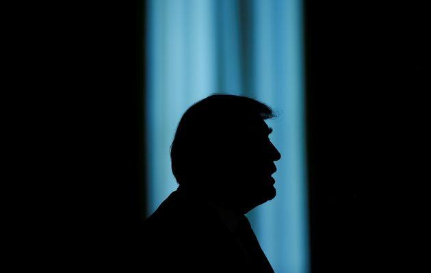 트럼프가 '성추문 입막음 돈'을 해명했다. 이건 자백이나