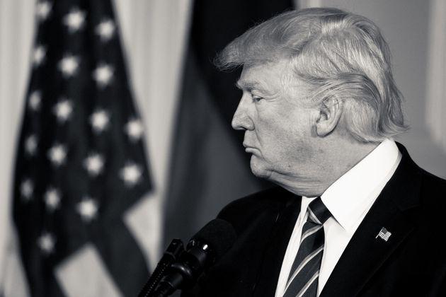Ο πόλεμος του Τραμπ δεν είναι fake: Η μάχη του προέδρου των ΗΠΑ κατά της