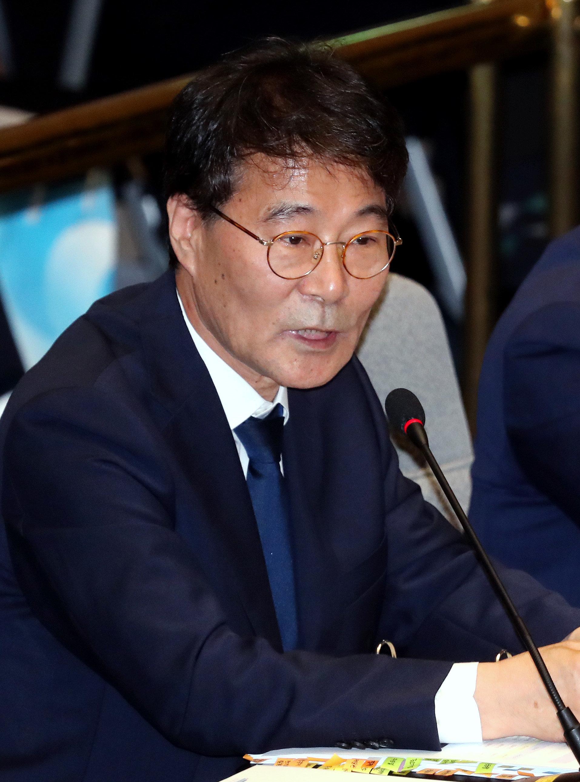 '김동연과 당신 중 누가 경제사령탑이냐'는 질문에 장하성이 답했다