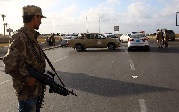 Un check-point à Tripoli, photo