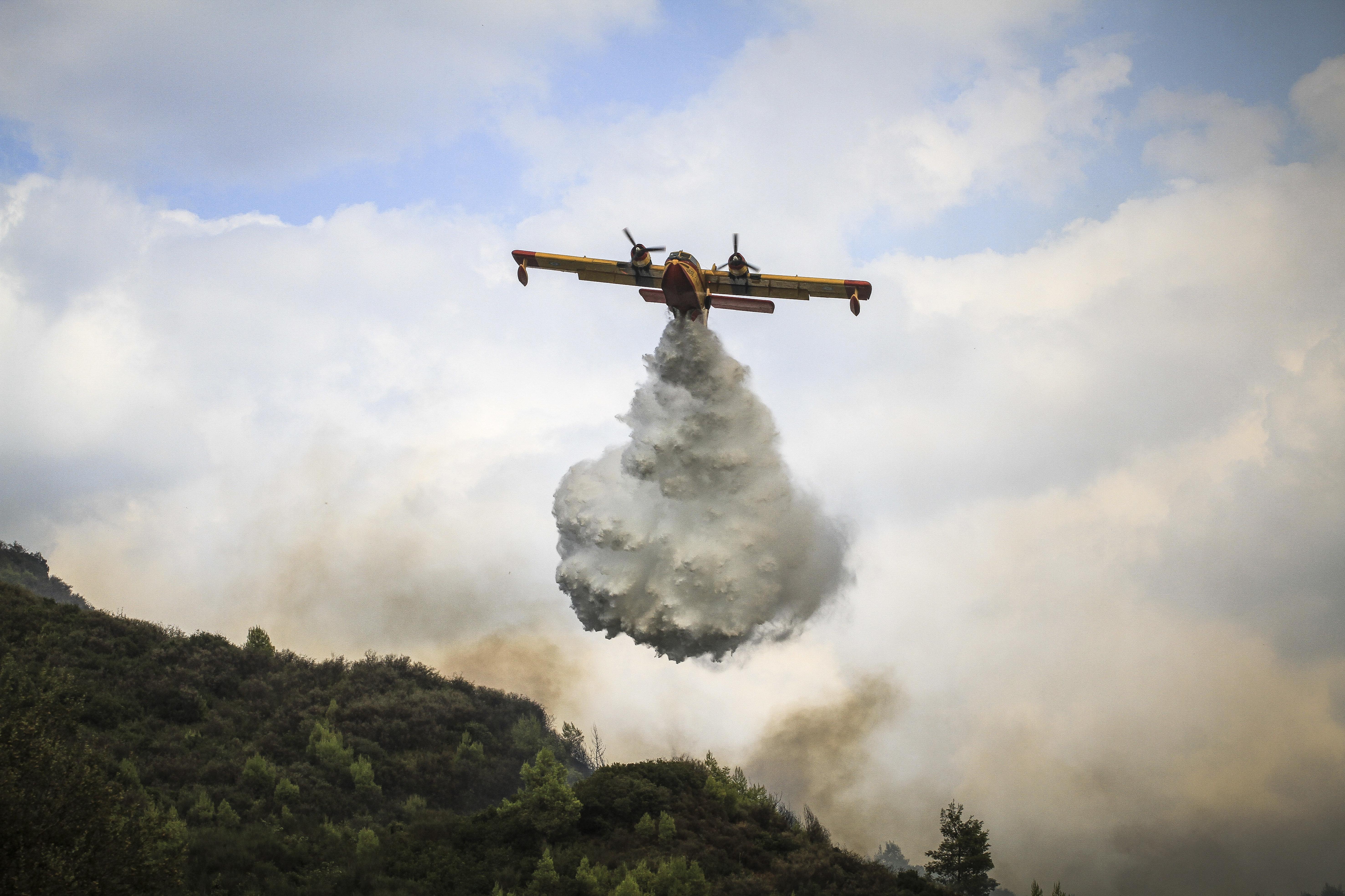 Κέρκυρα: Εκκενώνεται χωριό από τη φωτιά που είναι σε εξέλιξη βορειοδυτικά του
