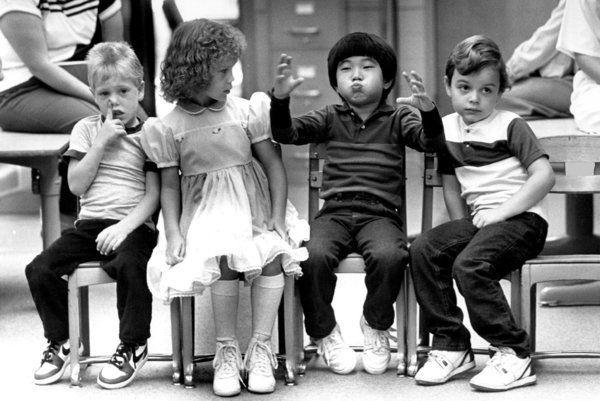 9 vintage φωτογραφίες από όλο τον κόσμο μας θυμίζουν τι θα πει «Πρώτη μέρα