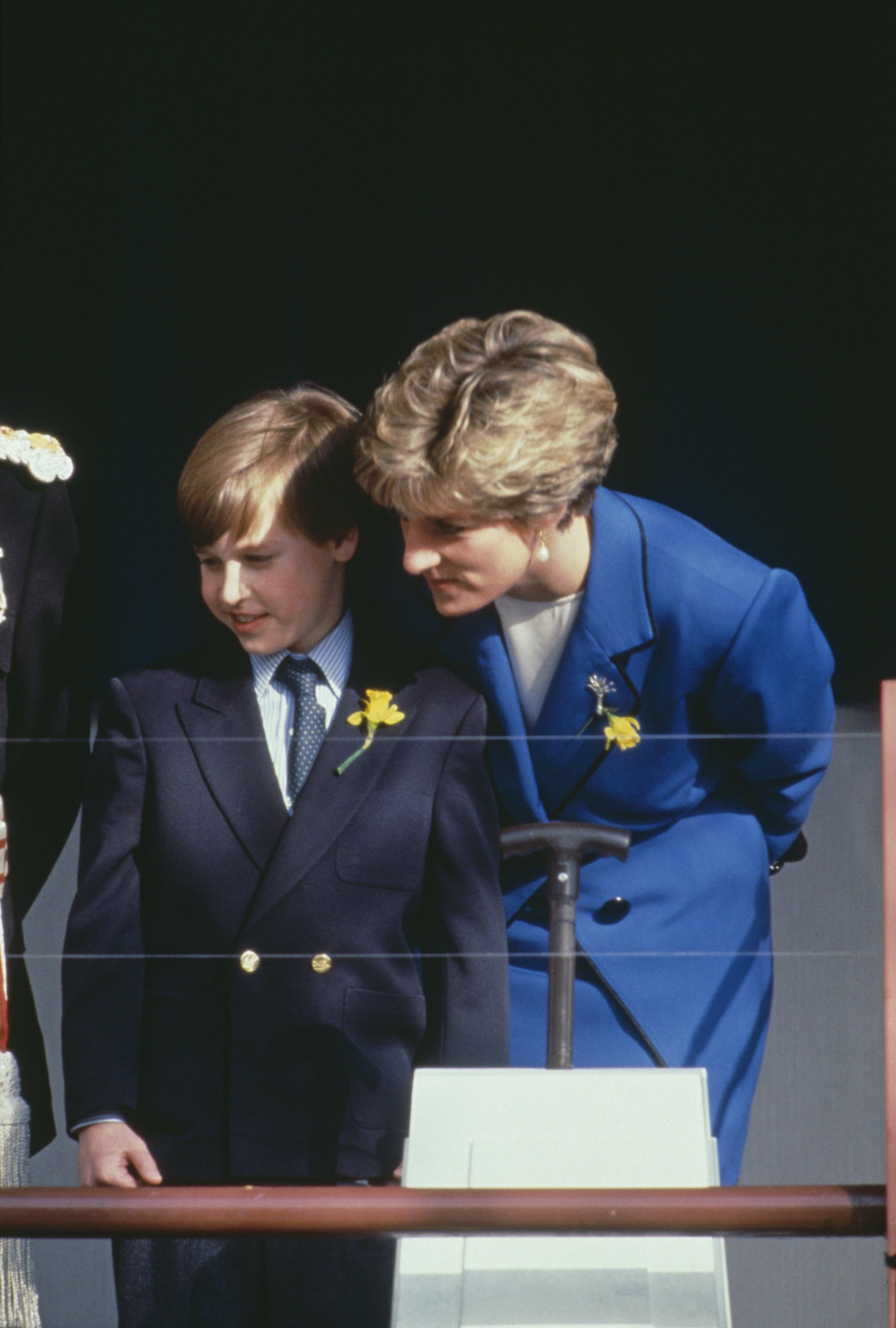 Vor seinem ersten Schultag gab Lady Di Prinz William einen