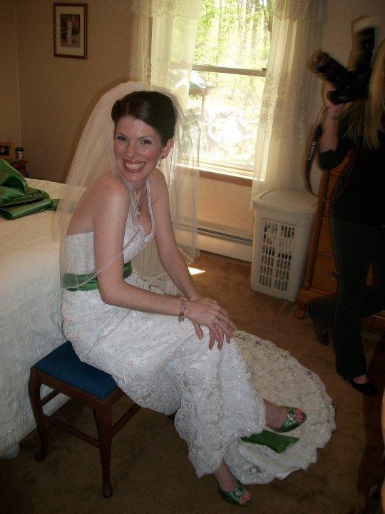 I want to dress my husband as a woman