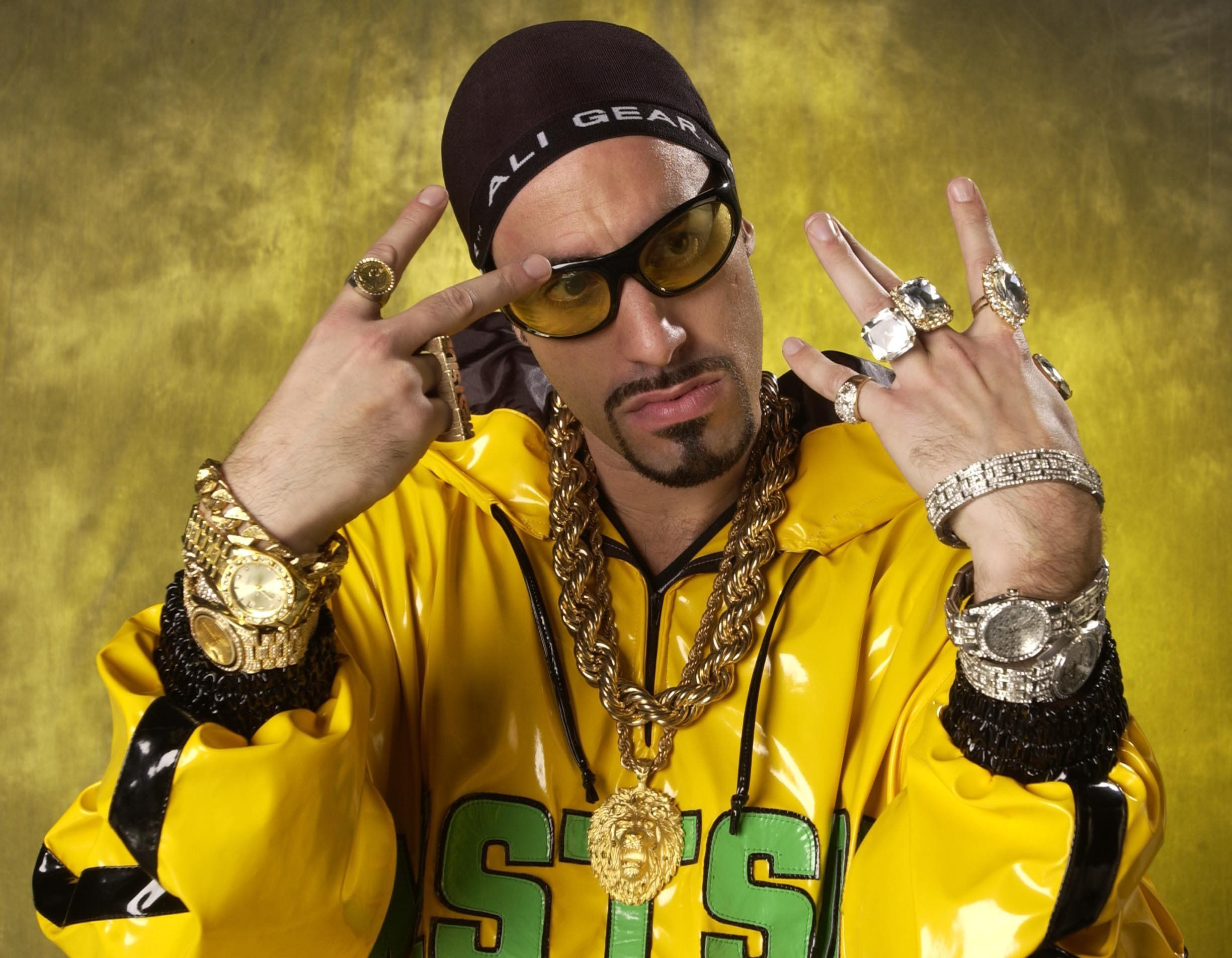 FRANKFURT - NOVEMBER 8:  Comedian Ali G aka Sacha Baron Cohen backstage at the MTV Europe Awards 2001 in Festhalle, Frankfurt, Germany, November 8, 2001. Ali G presented the awards show. (Photo by John Rogers/Getty Images)