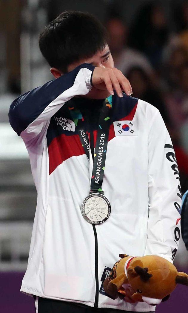 한국 체조 선수가 심판에게 '인사' 안해 금 대신 은메달을