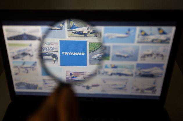 Τέλος στη δωρεάν χειραποσκευή της Ryanair από 1η