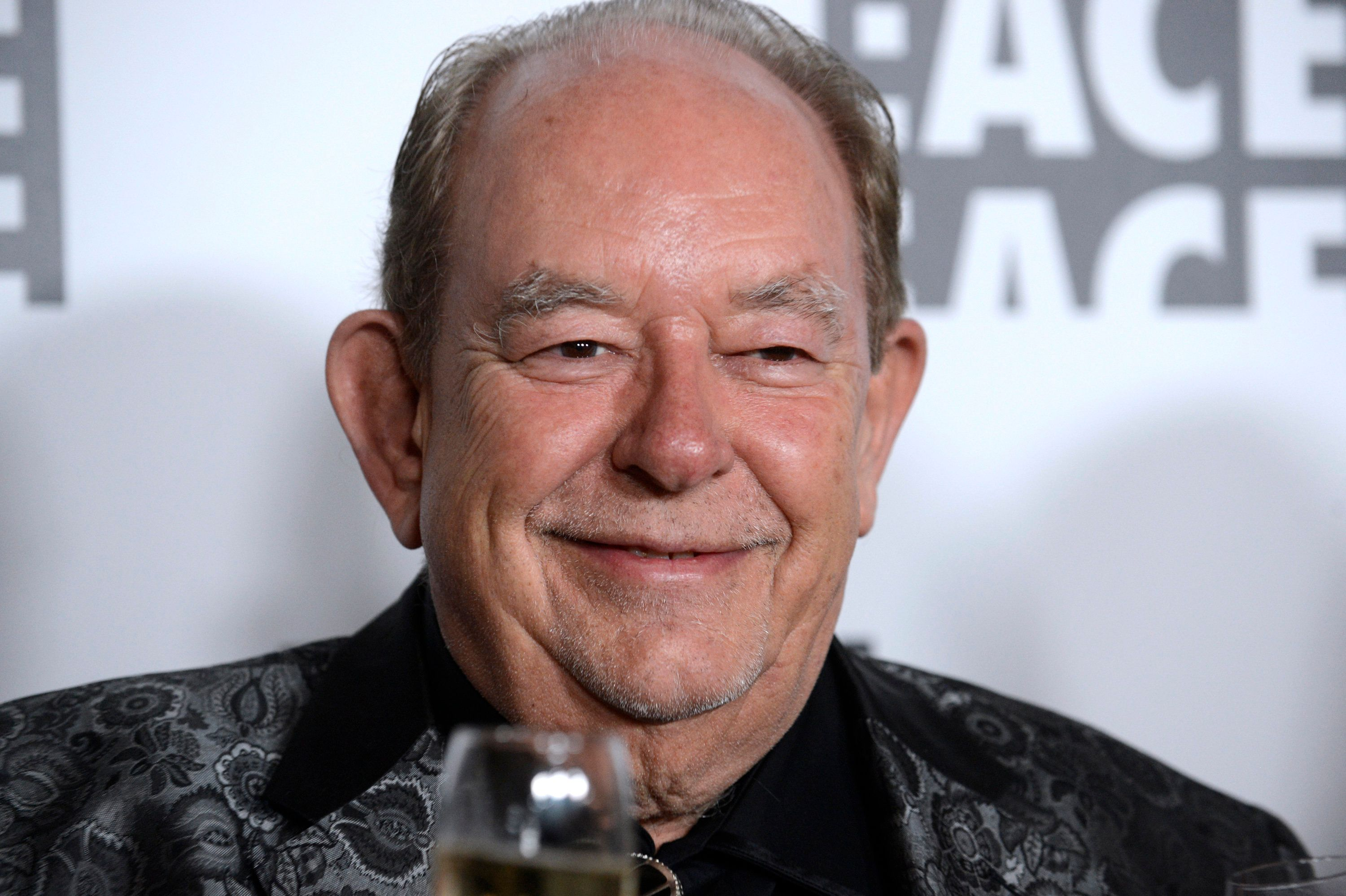 Television personality Robin Leach attends the 65th annual ACE Eddie Awards in Beverly Hills, California January 30, 2015. REUTERS/Phil McCarten (UNITED STATES - Tags: ENTERTAINMENT HEADSHOT)