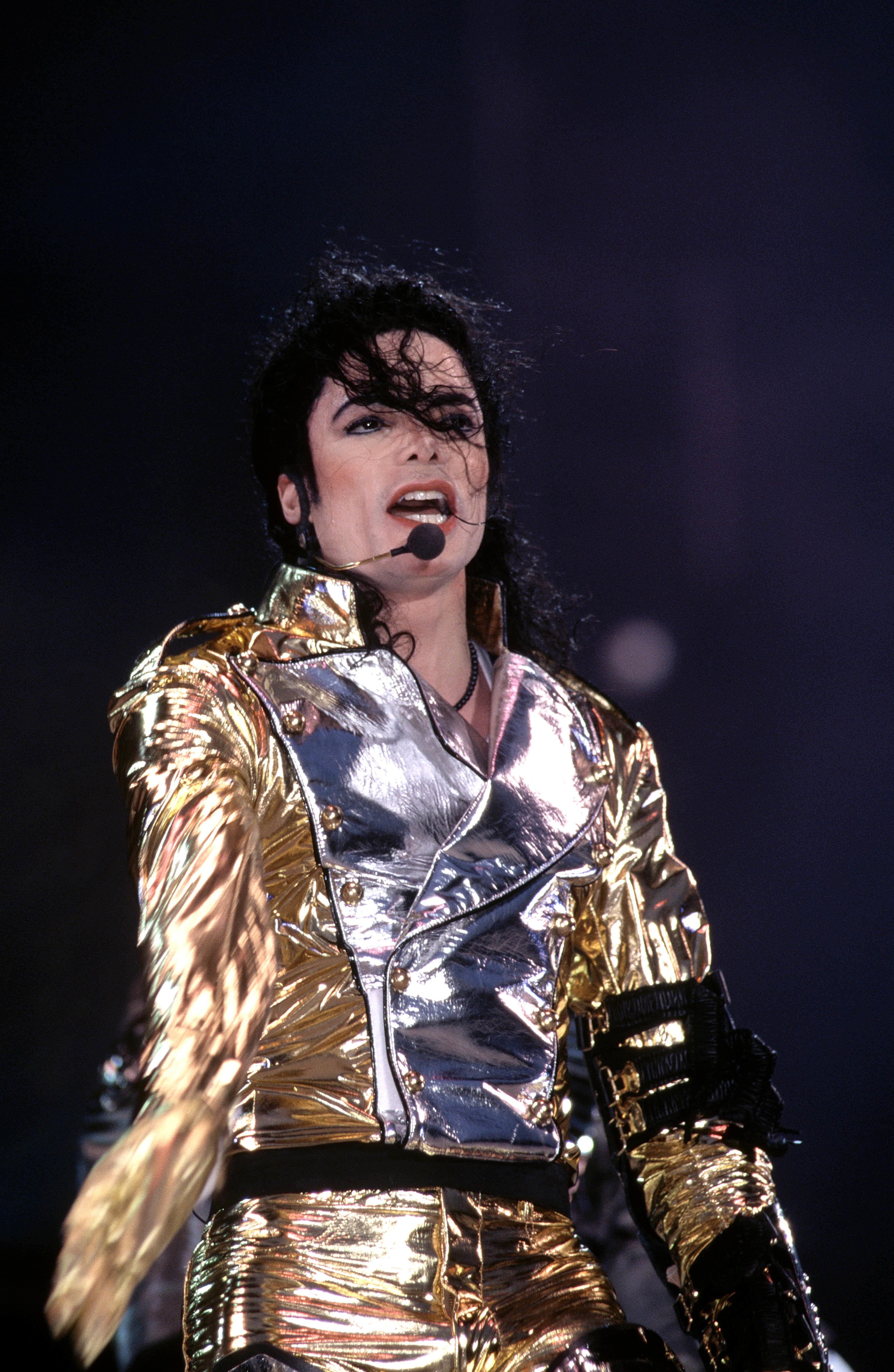 Michael Jackson performing in