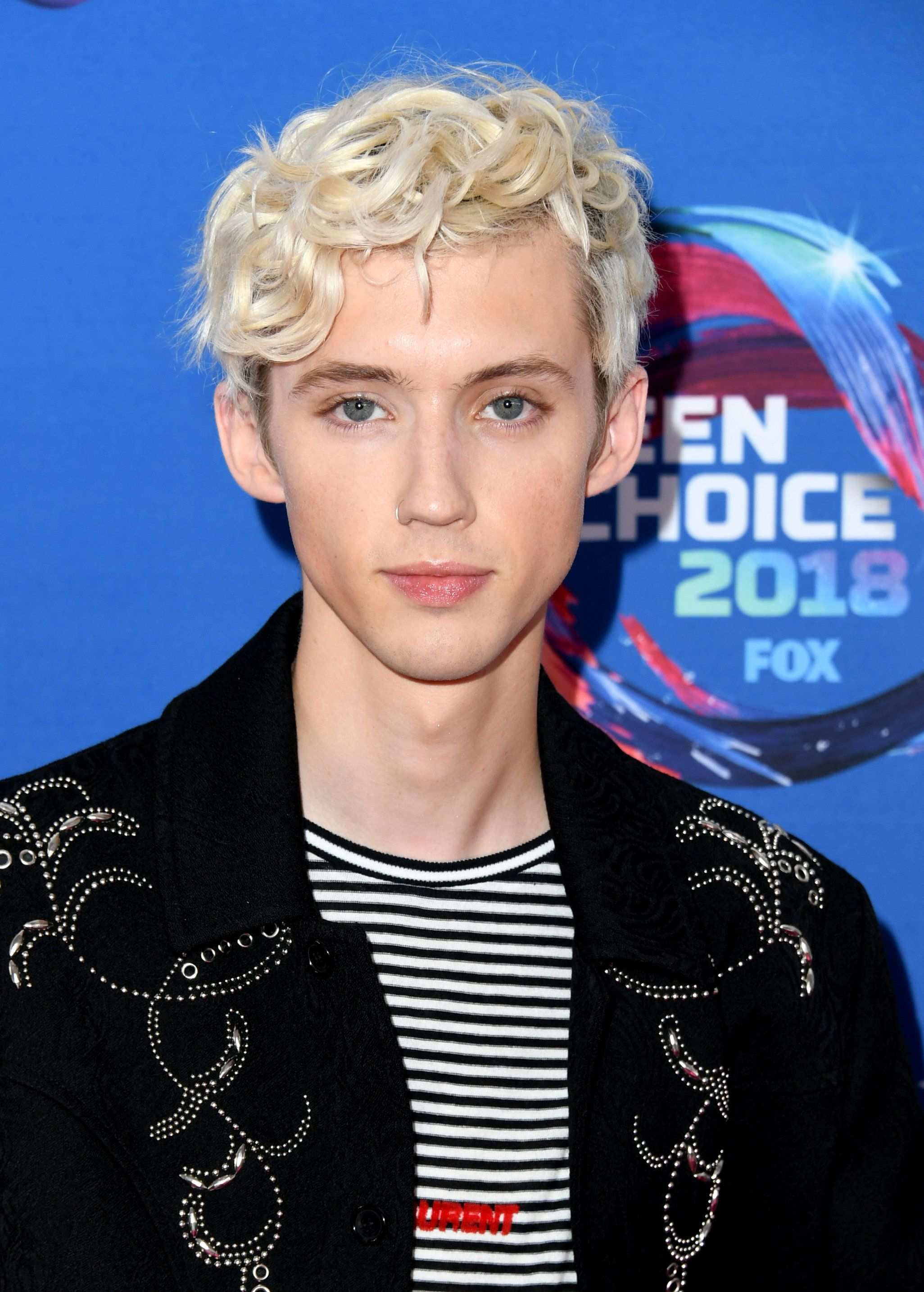 INGLEWOOD, CA - AUGUST 12:  Troye Sivan attends FOX's Teen Choice Awards at The Forum on August 12, 2018 in Inglewood, California.  (Photo by Jon Kopaloff/FilmMagic)
