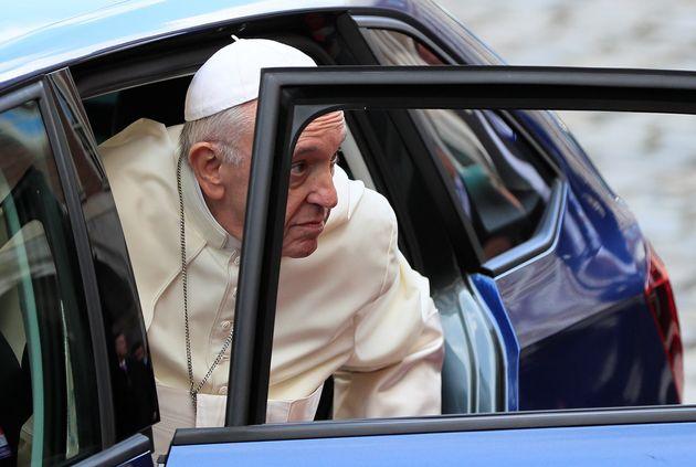 Ιστορική επίσκεψη του πάπα Φραγκίσκου στην