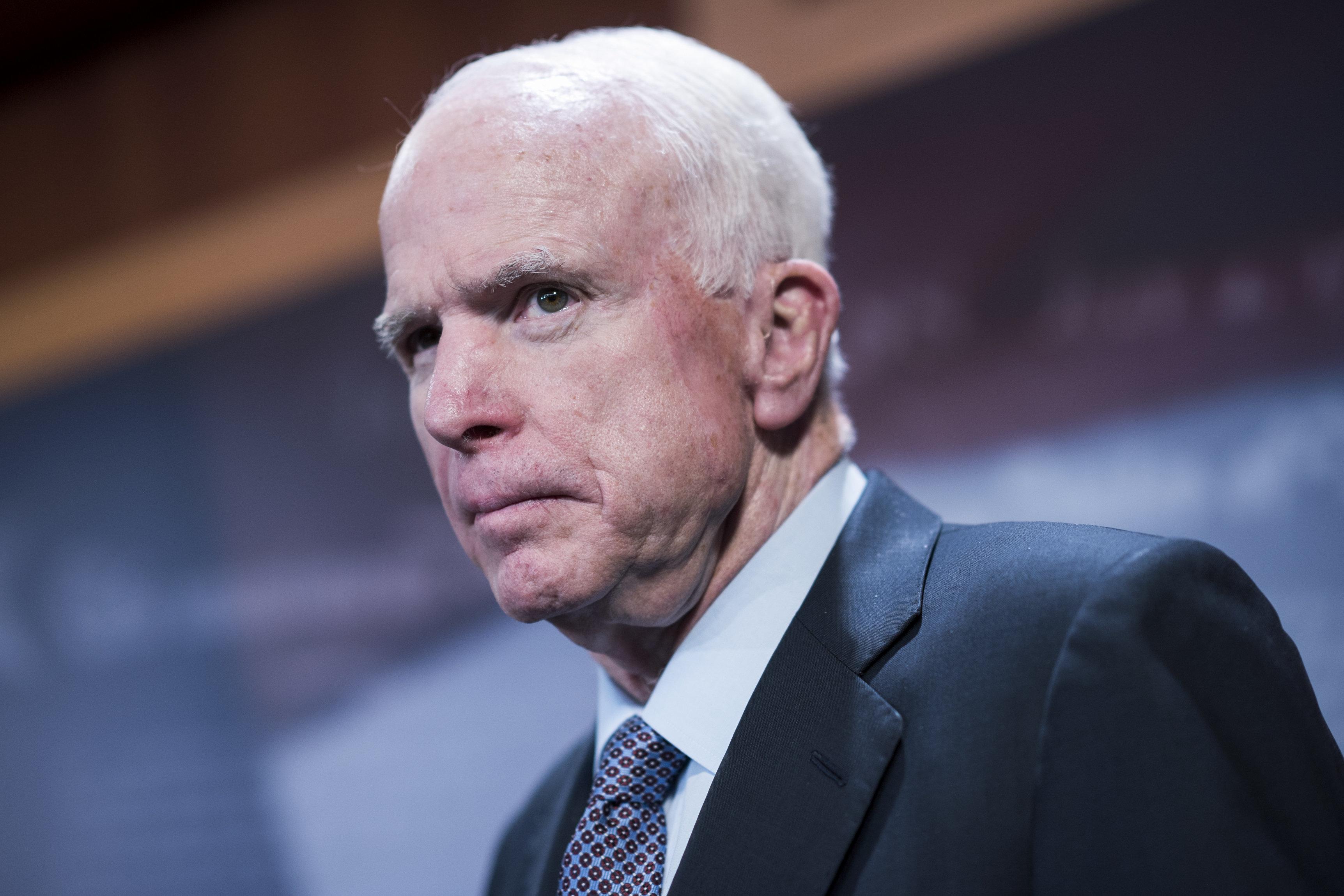 존 매케인 美공화당 상원의원이 별세했다