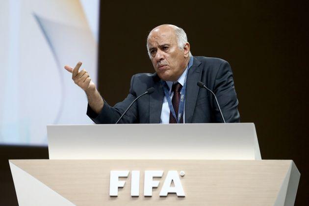 Suspension du président de la Fédération palestinienne de football Jibril Rajoub...