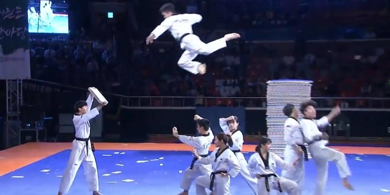 Τα ακροβατικά της ομάδας Taekwondo της Νότιας Κορέας που την έκαναν
