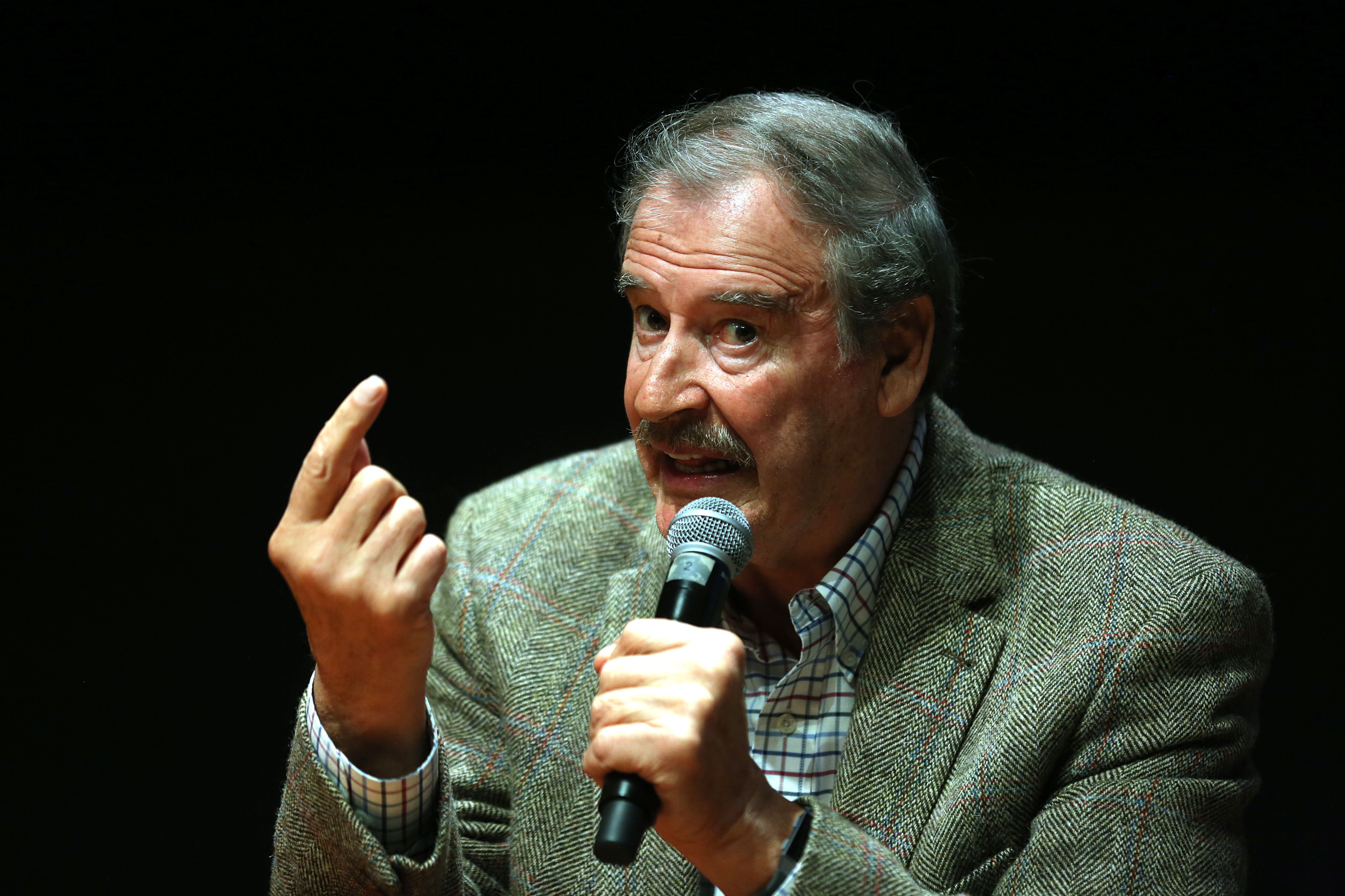 DALLAS, TEXAS - FEBRUARY 19: Former President of Mexico Vicente Fox gestures during a press conference to present his book 'Let's Move On: Beyond Fear & False Prophets' at University of Texas on February 19, 2018 in Dallas, Texas. (Photo by Omar Vega/Getty Images)