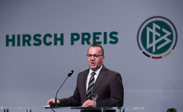 Boris Pistorius bei der Verleihung des Julius-Hirsch-Preises durch den Deutschen Fußball-Bund