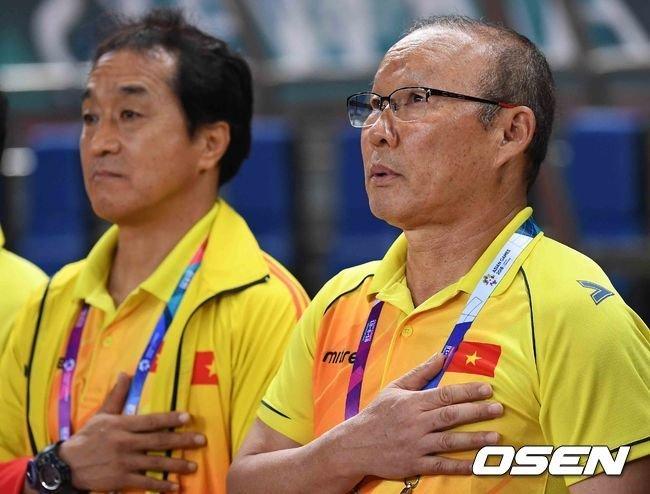 박항서 감독이 '조국' 한국과 맞붙게 된 소감을 밝혔다