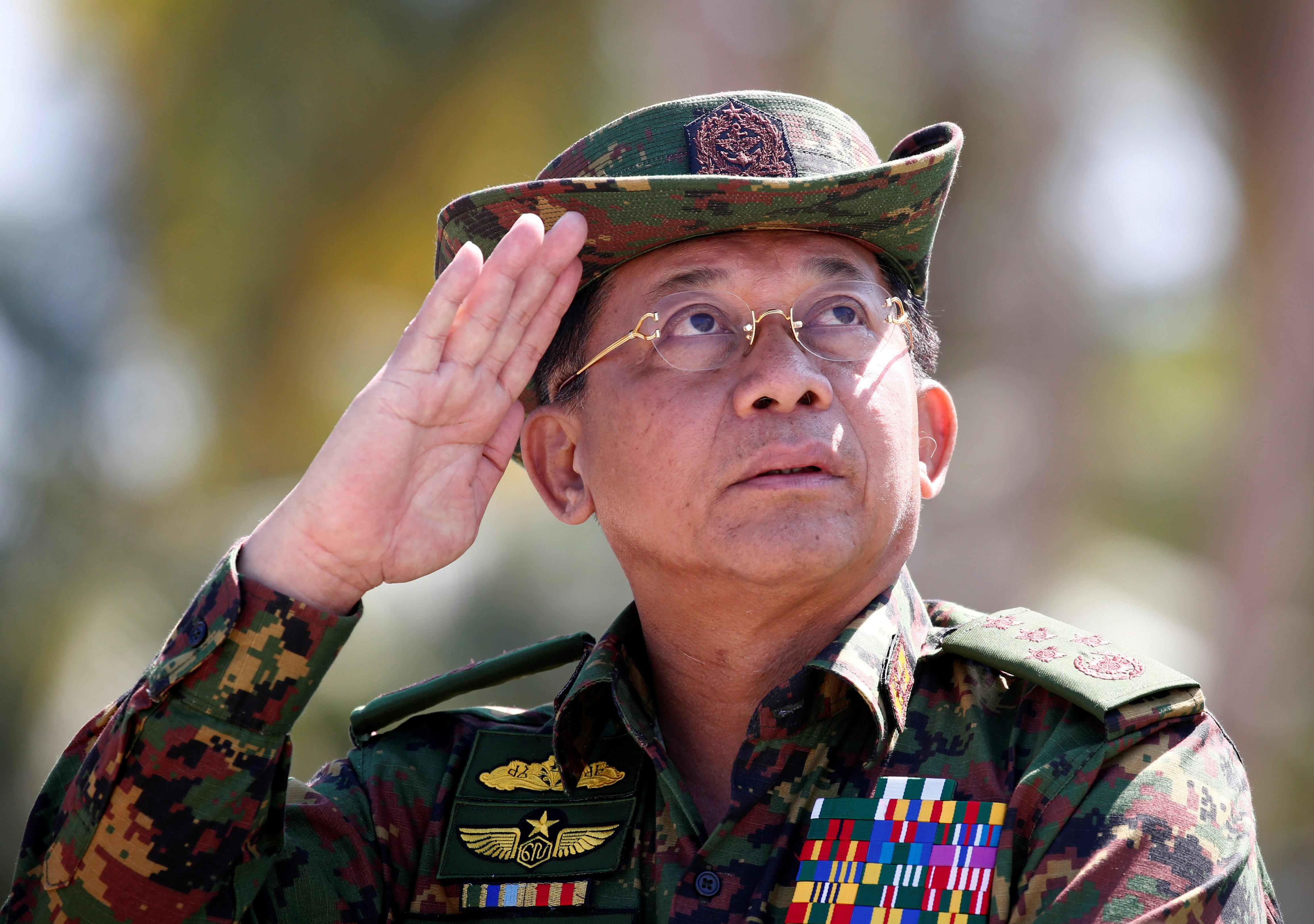 페이스북이 '로힝야족 인종청소' 미얀마 군부 계정을