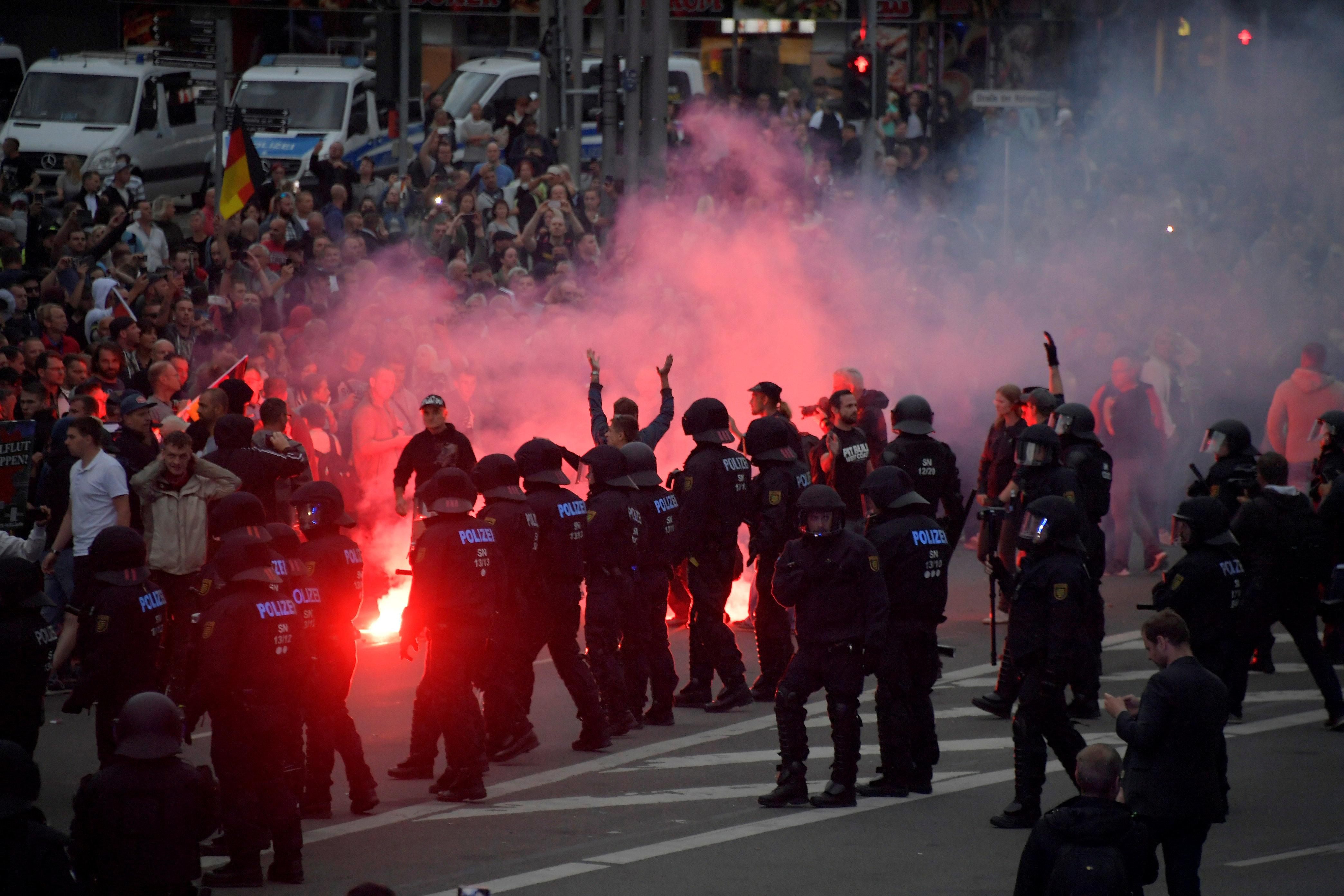 """Chemnitz: SPD-Mann Lischka warnt vor """"bürgerkriegsähnlichen Zuständen"""""""