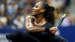 Serena Williams fait un pied de nez et porte un tutu au U.S.