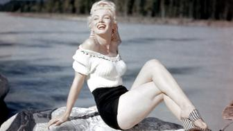 American actress Marilyn Monroe on the set of River of No Return, directed by Austro?Hungarian-American Otto Preminger. (Photo by Twentieth Century Fox Film Corporation/www.alamy.com/Sunset Boulevard/Corbis via Getty Images)