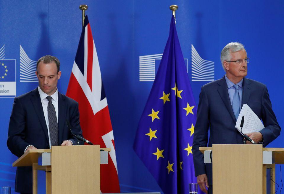 도미닉 랍 영국 브렉시트부 장관(왼쪽), 마이클 바르니에 EU 브렉시트 협상
