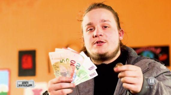 """""""Armes Deutschland"""": 18-jähriger Hartz-IV-Empfänger will nicht arbeiten und steckt Geld in Drogen"""