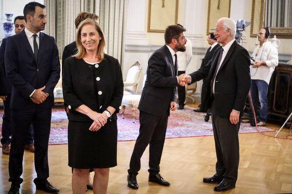 Η ορκωμοσία των νέων υπουργών της