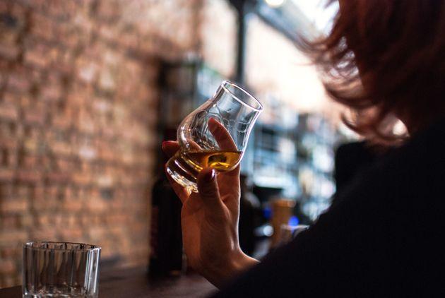 ¿Cuándo el consumo 'social' de alcohol se convierte en