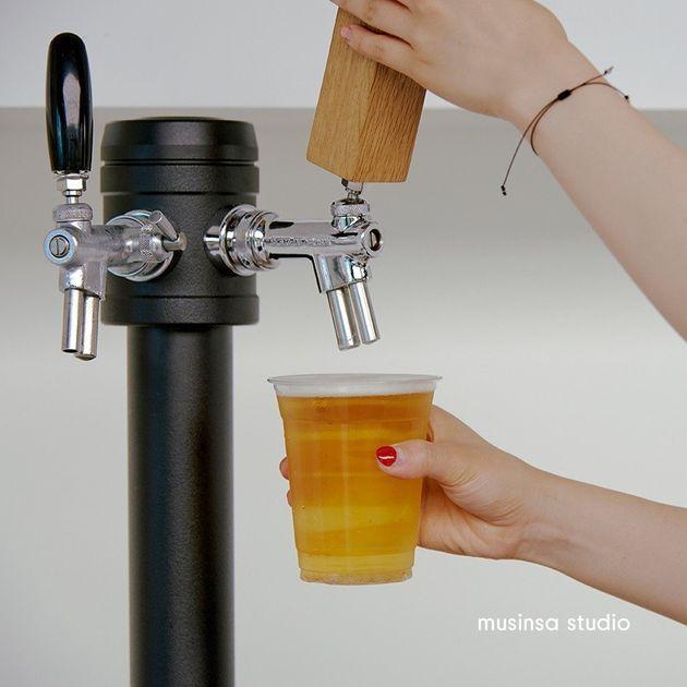 '드링크 바'밤낮없이 일하는 크리에이터들에게는 꼭 필요한 음료 3가지를 제공하는 공간이다. 신선한 커피와 우유, 그리고 맥주다. 그리고 이 모든 게 '무한 리필'이 된다는 점이다....