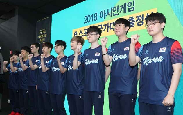 한국 리그 오브 레전드 대표팀이 은메달을