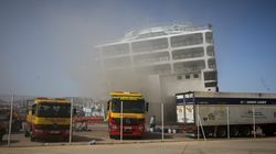 Συνεχίζονται οι προσπάθειες κατάσβεσης της φωτιάς στο «Ελευθέριος