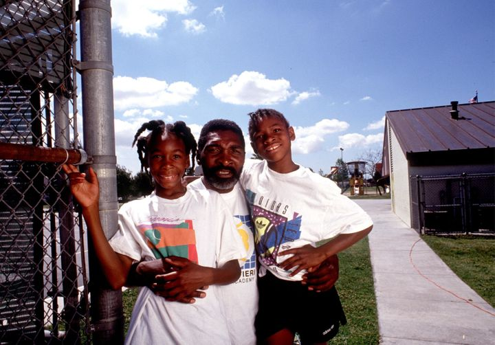 Richard Williams, center, with his daughters Venus Williams, left, and Serena Williams, right, in 1991.