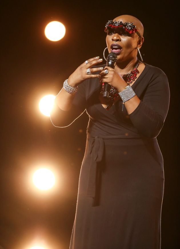 X Factor': 90s Dance Singer Janice Robinson Moves Robbie