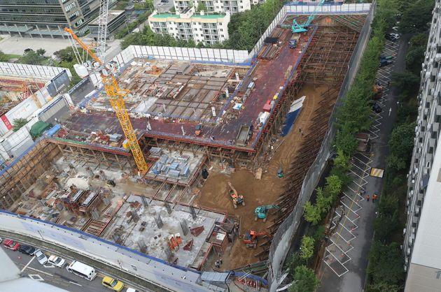 서울 가산동 아파트 주변에 큰 구멍이