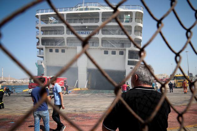 Εκκένωση του «Ελευθέριος Βενιζέλος» λόγω