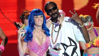 Katy Perry and Snoop Dogg perform onstage at the 2010 MTV Movie Awards at Gibson Amphitheatre on June 6, 2010 in Universal City, California.