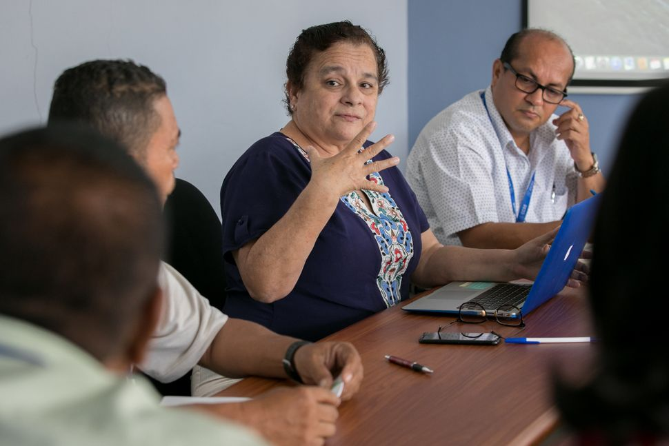Meeting at the Health Ministry of Nicoya. Doctor Zinnia Cordero (center) director of the Health Ministry in Nicoya, Guanacast